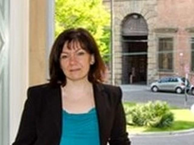 Susanna Zaccaria - Assessore Affari generali, Servizi demografici, Quartieri, Pari opportunità e differenze di genere, Diritti LGBT, Contrasto alle discriminazioni, Lotta alla violenza e alla tratta sulle donne e sui minori, Diritti dei nuovi cittadini, Progetto Patto per la giustizi Bologna